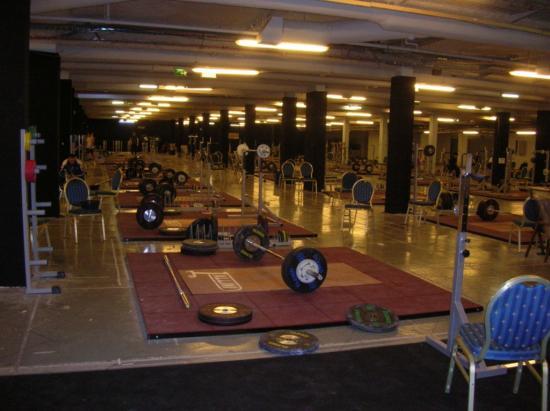 La salle d'entrainement  avec 50 plateaux